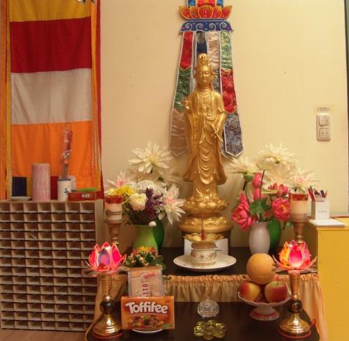 Lập bàn thờ Phật bà quan âm tại nhà và các điều lưu ý