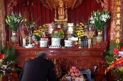 Vị trí bàn thờ thần tài hợp phong thủy